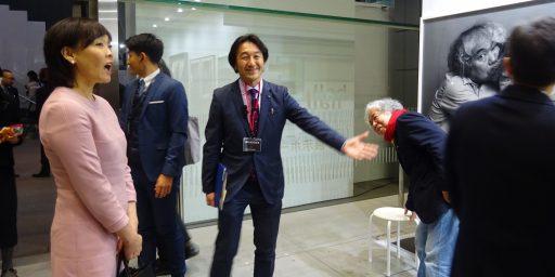 アートフェア東京のハイライツ:山下菊二、西野達、折元立身、柳幸典、マティスと安倍昭恵