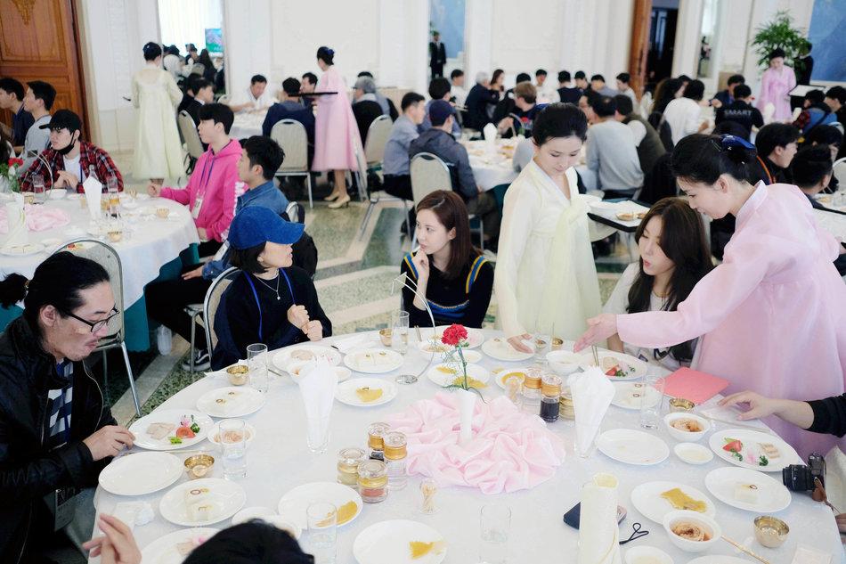K-pop stars in Pyongyang