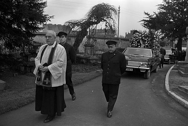 レオナール・ツグハル・フジタ・Léonard Foujita 葬儀1968 ランス・フジタ・チャペル
