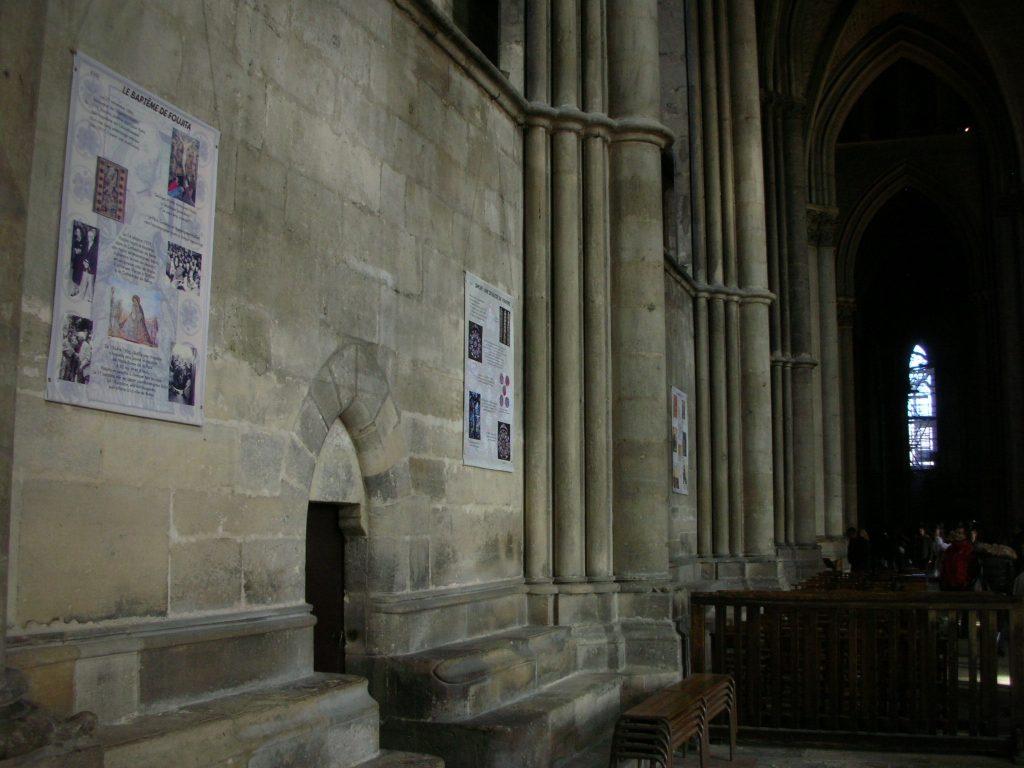 Reims ランス・ノートルダム大聖堂で洗礼を受けるフジタ夫妻