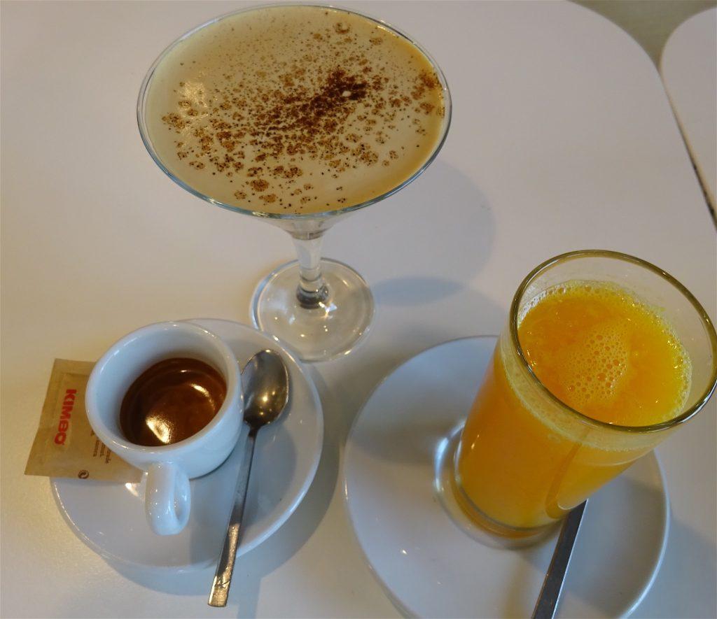 カッフェ、シェケラートと生オレンジ・ジュース