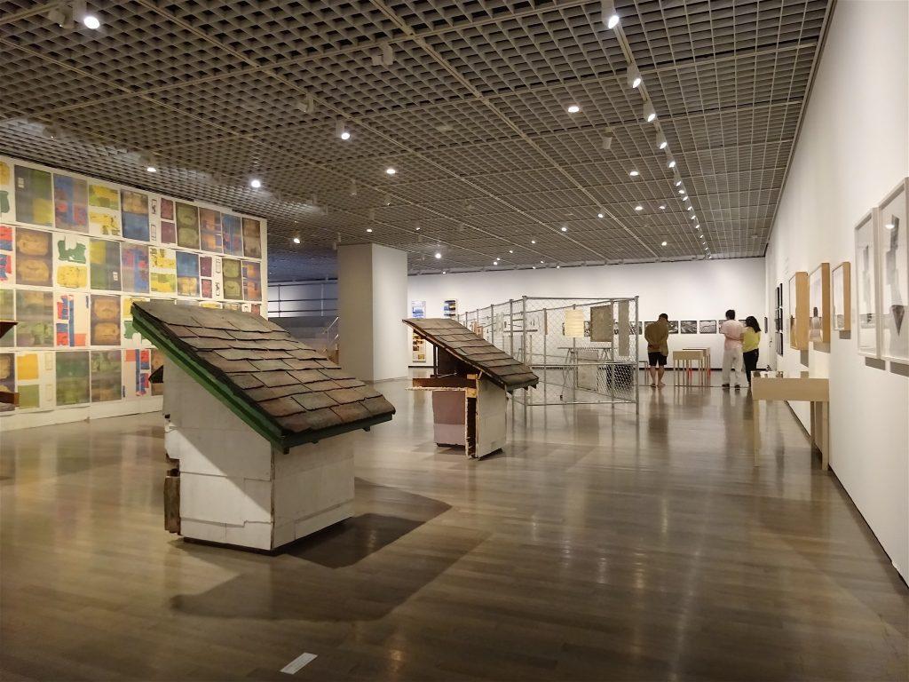 ゴードン・マッタ・クラーク Gordon Matta-Clark, exhibition view