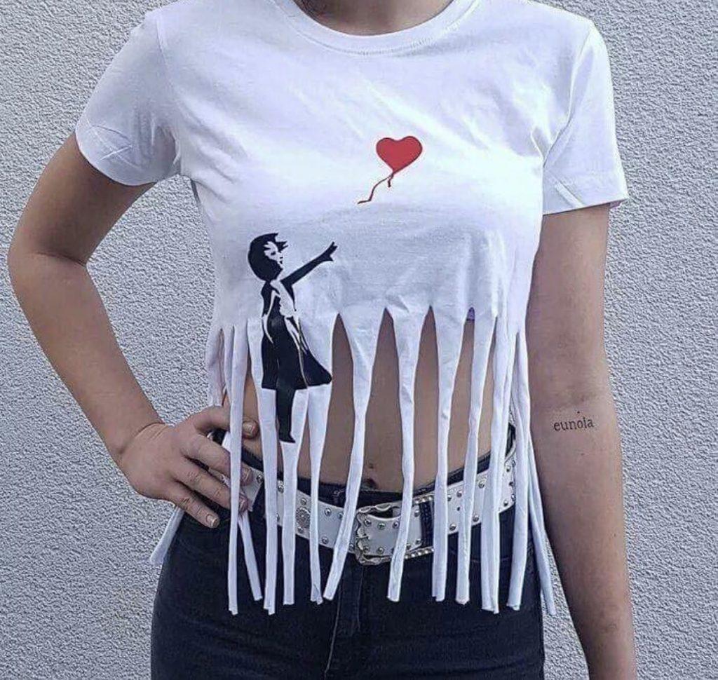 """バンクシー 「愛はごみ箱の中に」aka「少女と風船」 Banksy """"Love Is in the Bin"""" aka """"Girl with Balloon"""" T-shirt"""
