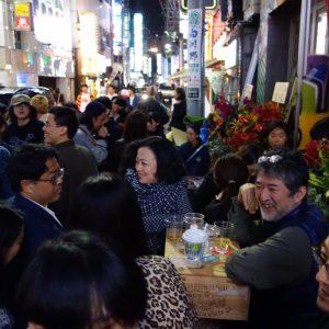 東京アートシーンの中心、MUJIN-TO / FUJIKI Rikaに所属しているChim↑Pom @ 歌舞伎町
