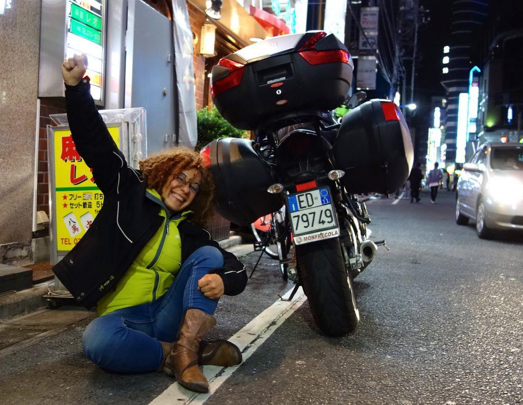 ロサリア・イアゼッタ Rosaria Iazetta ナポリー 東京 by バイク Napoli - Tokyo by bike