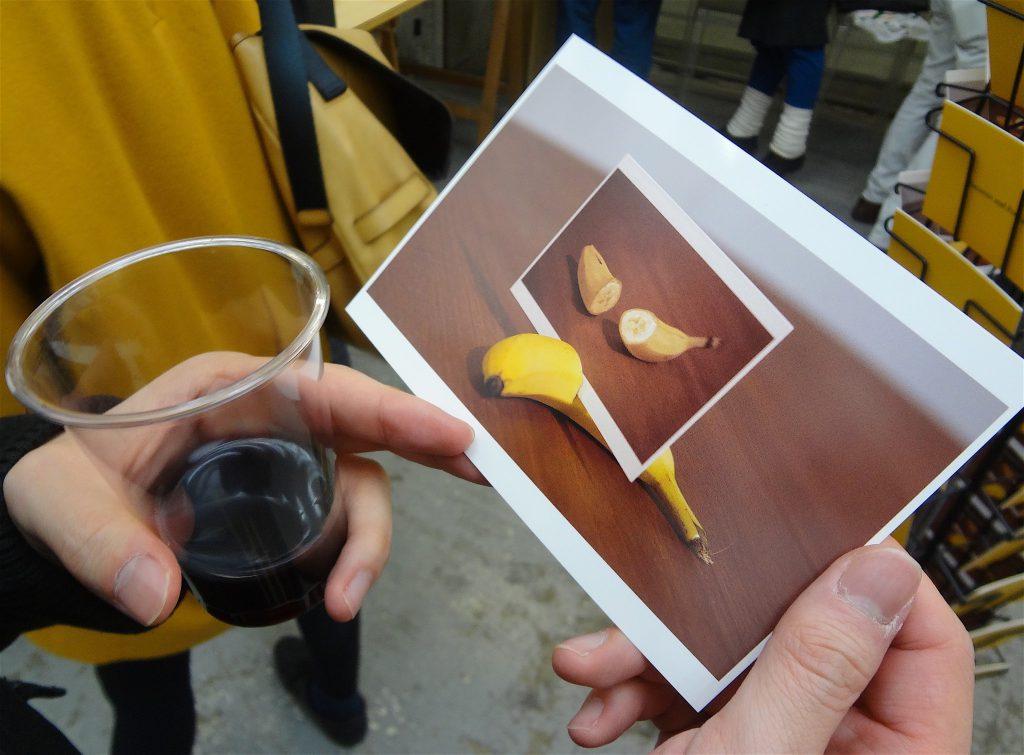 磯谷博史新作 「Bananas and Postcards」の裏