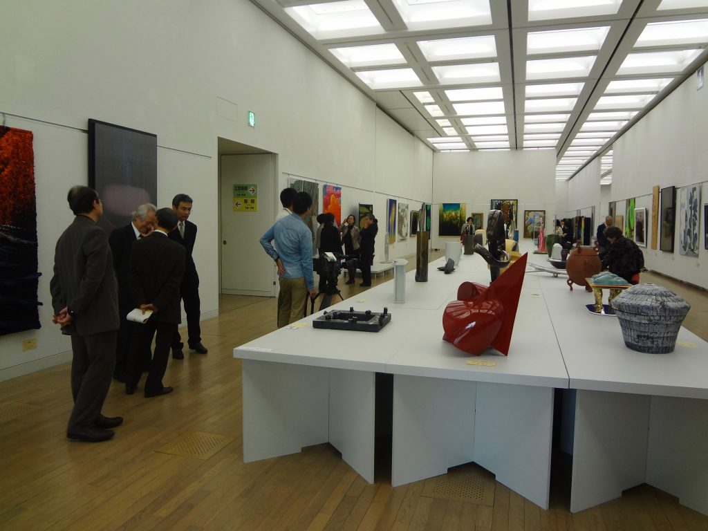 2013年11月1日 第45回 日本美術展覧会 (日展)の展示風景(工芸美術)