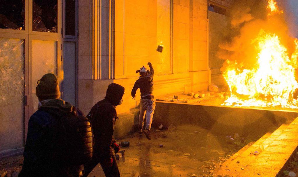 パリが燃えている。Paris Is Burning6