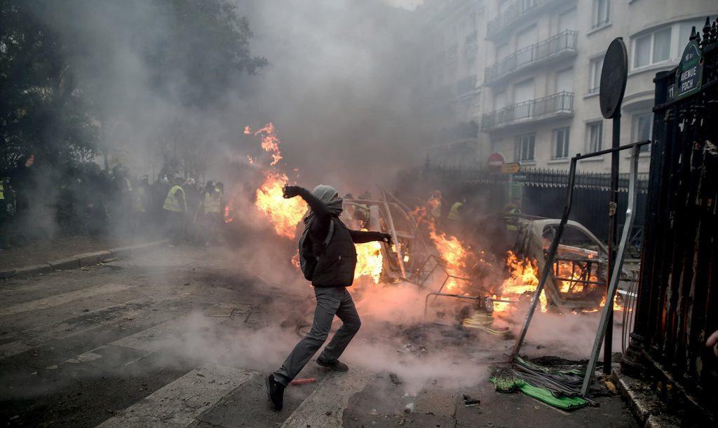 パリが燃えている。Paris Is Burning8