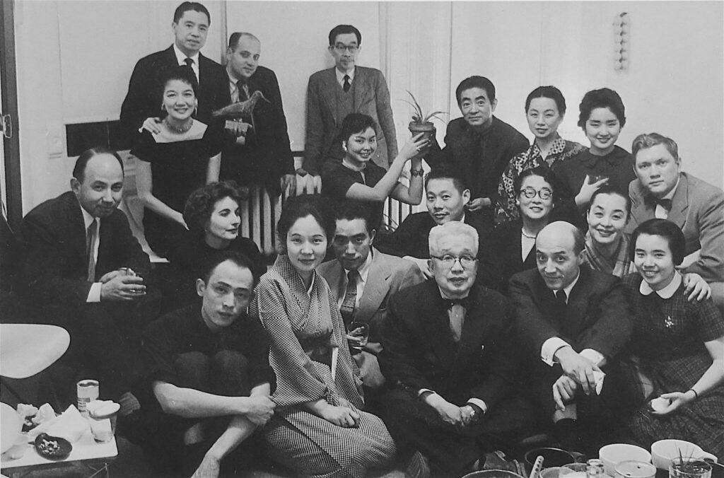 猪熊弦一郎、三島由紀夫、イサム・ノグチと他、猪熊弦一郎のニューヨークのアトリエ INOKUMA Gen-ichiro, MISHIMA Yukio, Isamu NOGUCHI a.o. in the atelier of INOKUMA Gen-ichiro, New York 1957