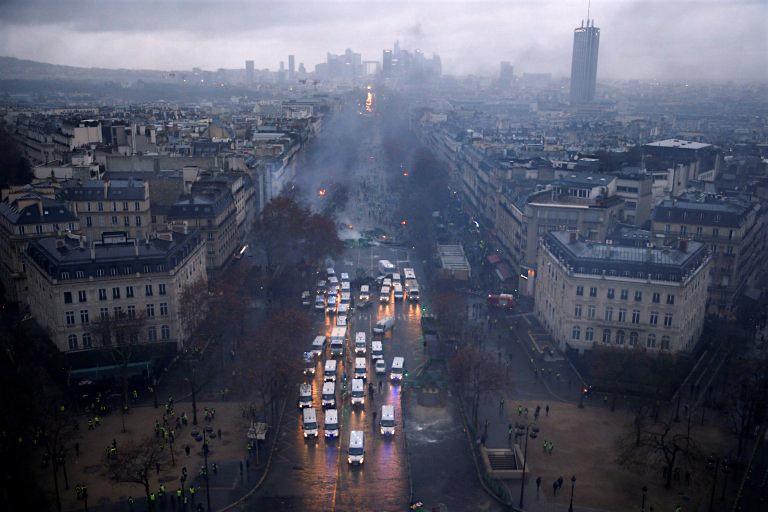 パリが燃えている。Paris Is Burning