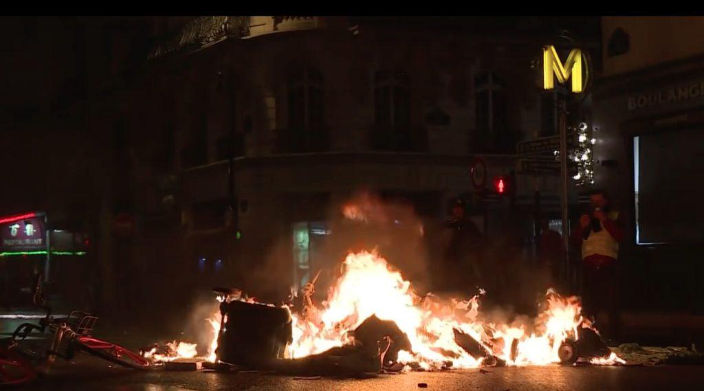 パリが燃えている。Paris Is Burning10