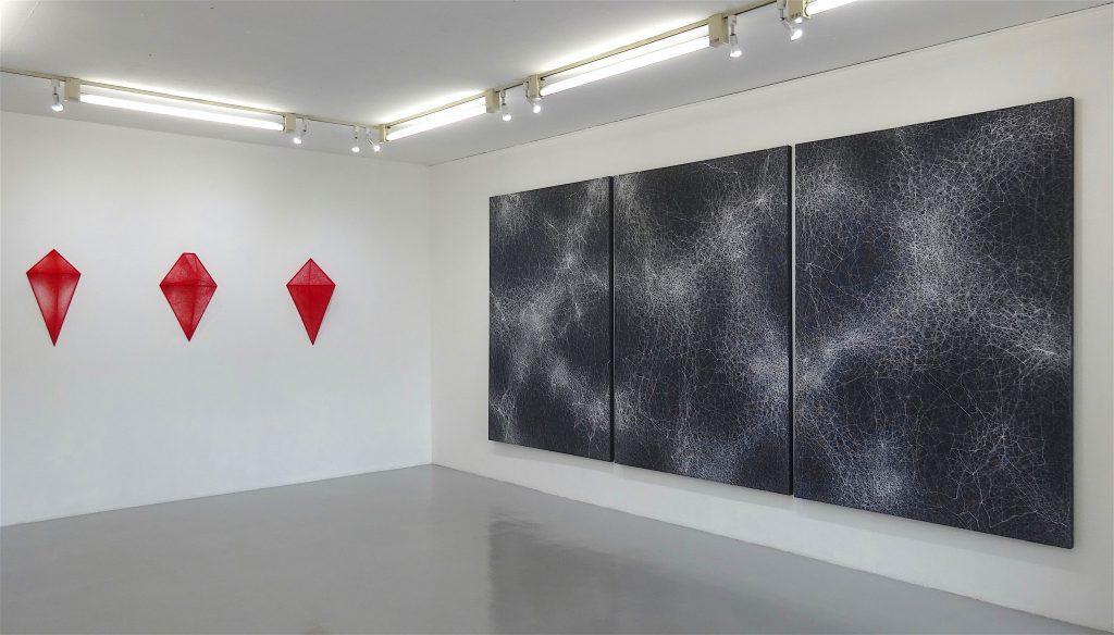 塩田千春 SHIOTA Chiharu 展示風景 exhibition view @ KENJI TAKI GALLERY, Tokyo 2018