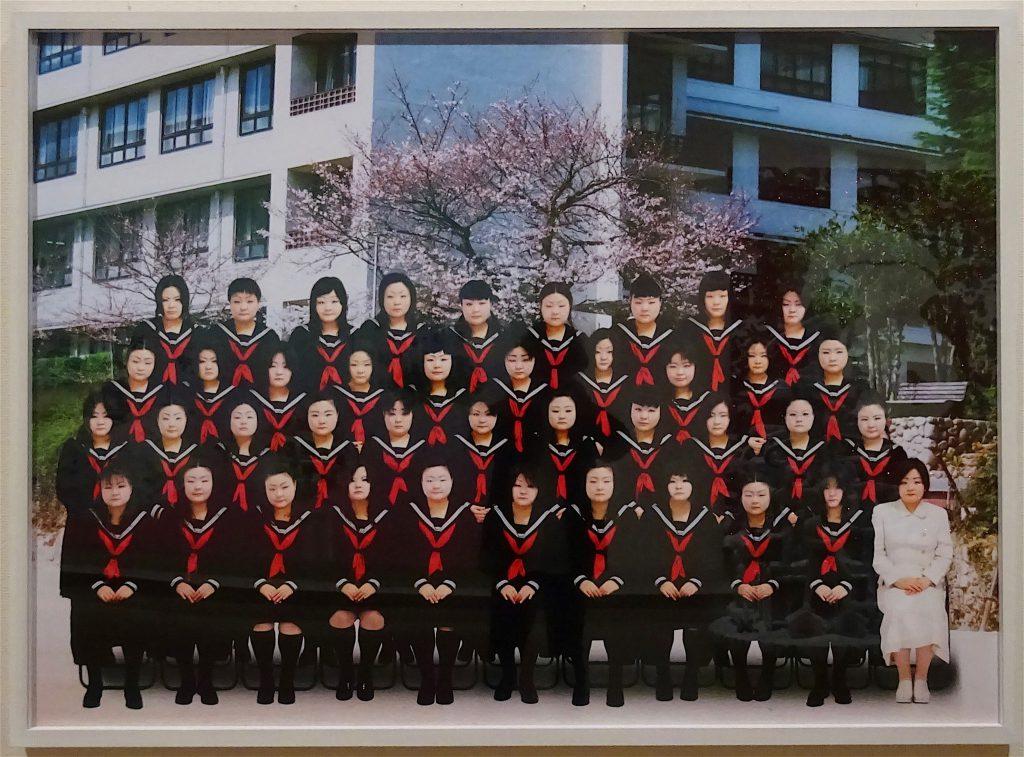 SAWADA Tomoko 澤田知子 「School Days : A」2004, C-print, タグチ・アートコレクション Taguchi Art Collection