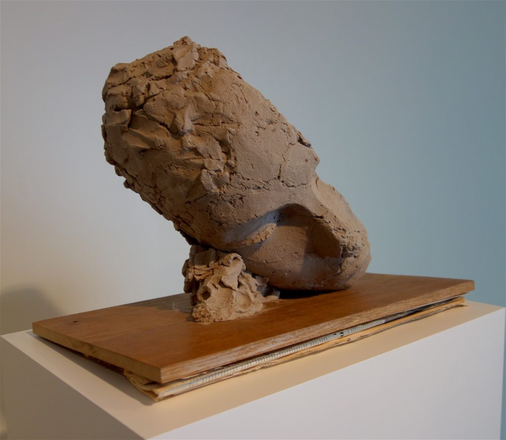 "マーク・マンダース Mark Manders ""Study for Large Tilted Head"" 2017-2018, painted bronze, wood, offset print on paper"