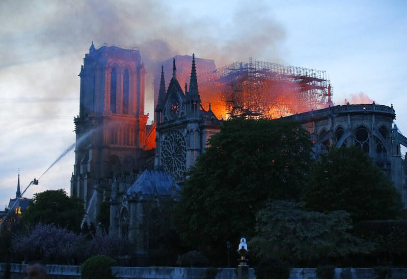 Cathédrale Notre-Dame de Paris パリ・ノートルダム大聖、2019年4月15日