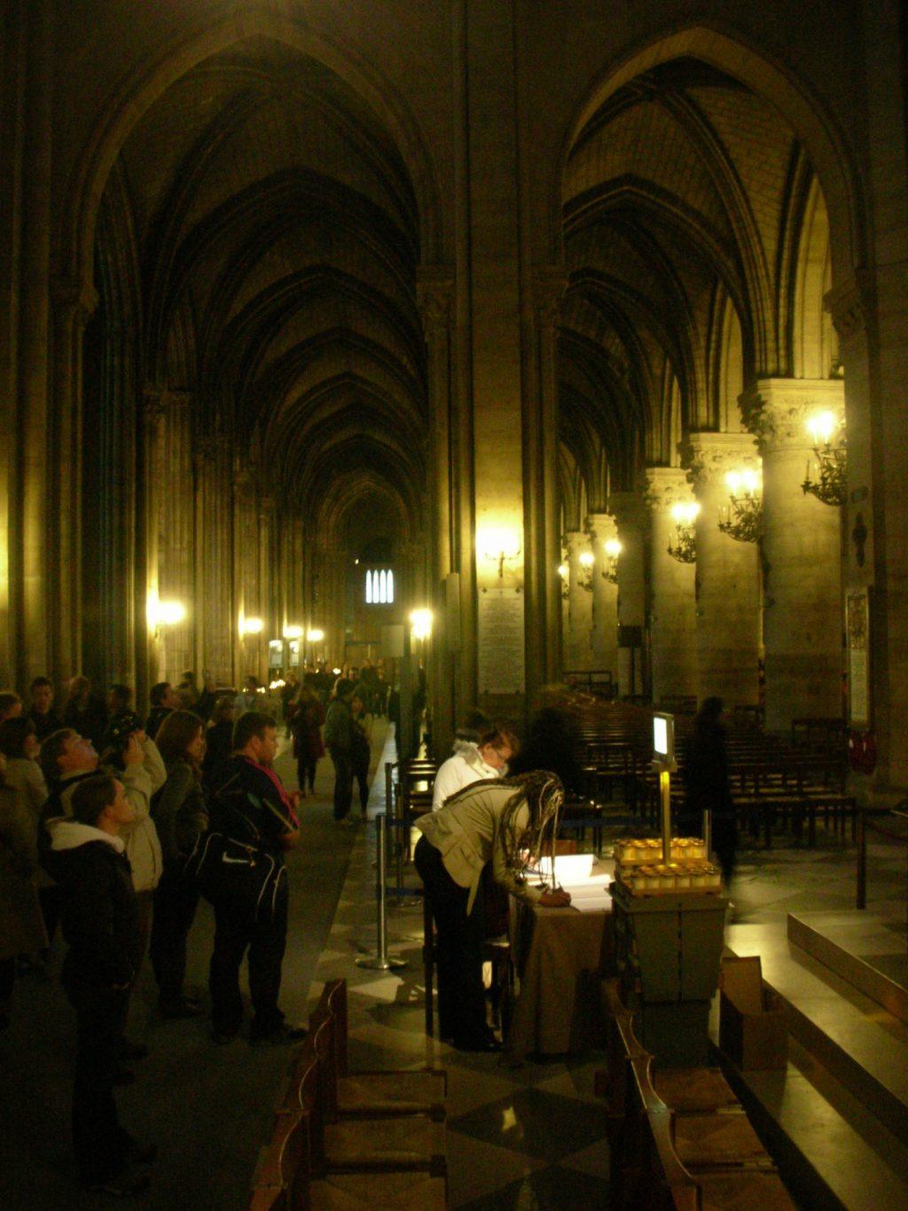 Cathédrale Notre-Dame de Paris パリ・ノートルダム大聖堂、内部