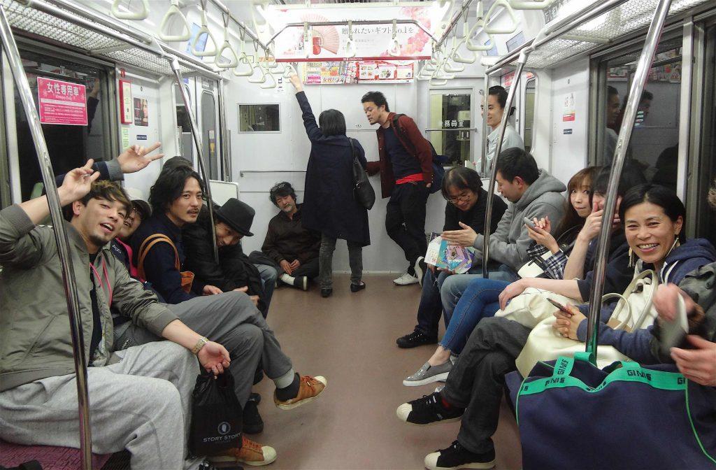 毒山 凡太朗 DOKUYAMA Bontaro on the left、左側、Heisei 平成28年4月29日