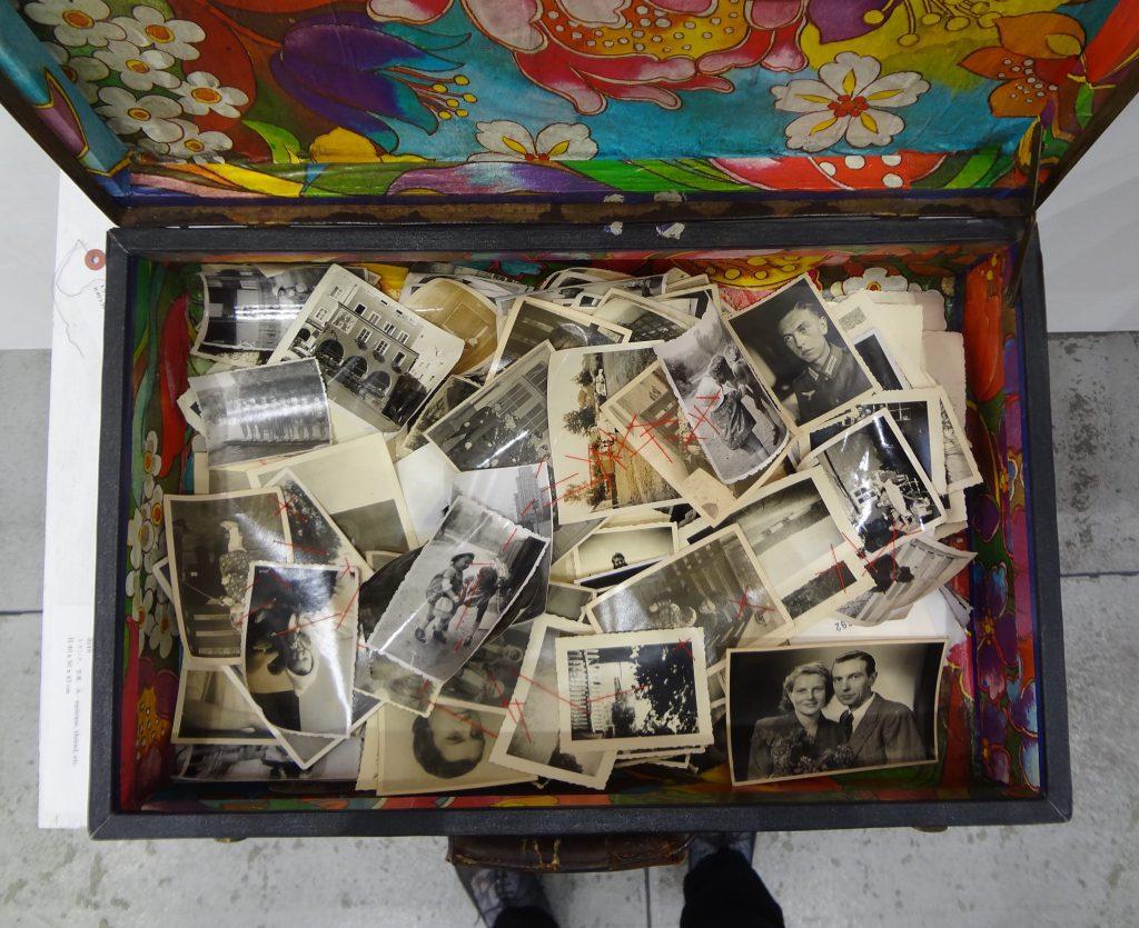 """塩田千春 SHIOTA Chiharu 「行くべき場所、あるべきもの・写真」""""Where to go, what to exist ・photographs"""" 2010,"""