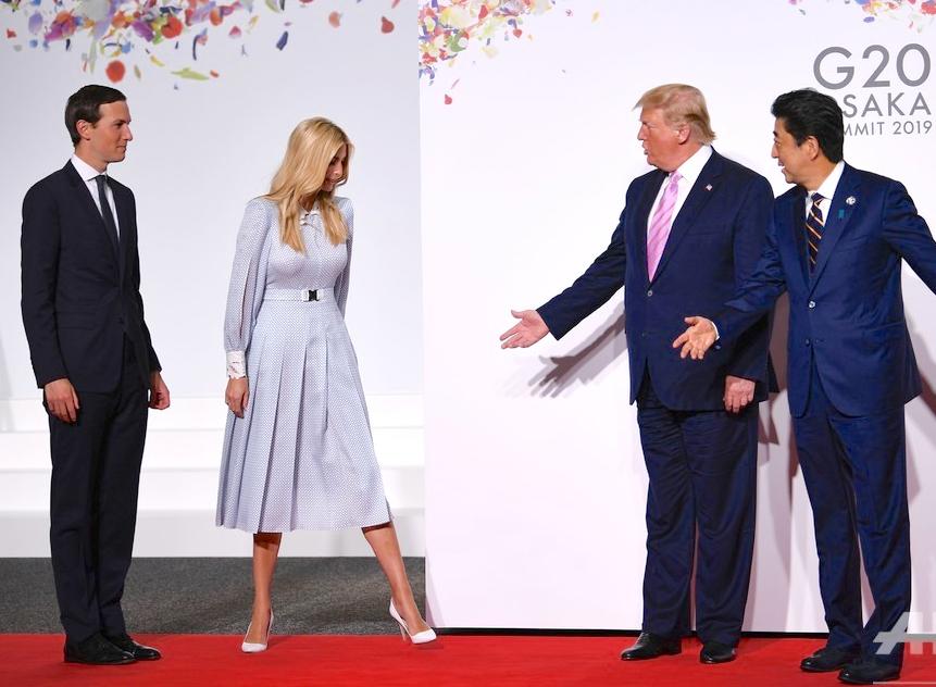 イヴァンカ氏と夫のジャレッド・クシュナー、トランプ、安倍 Husband Jared Kushner, Ivanka, Trump, Abe