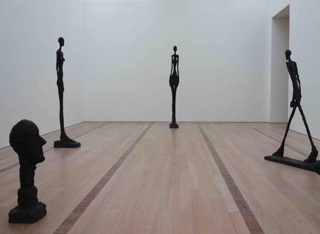 アルベルト・ジャコメッティ作の展示風景 @ バイエラー財団、2020年1月5日まで