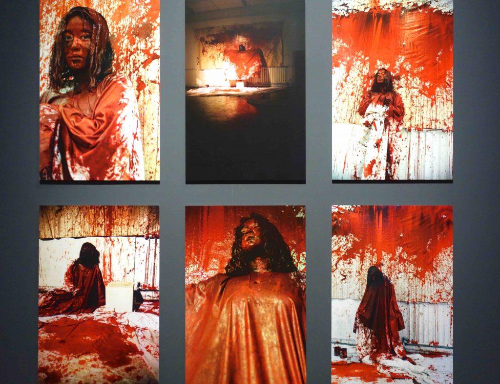 """塩田千春 SHIOTA Chiharu """"絵になること Becoming Painting"""" 1994."""