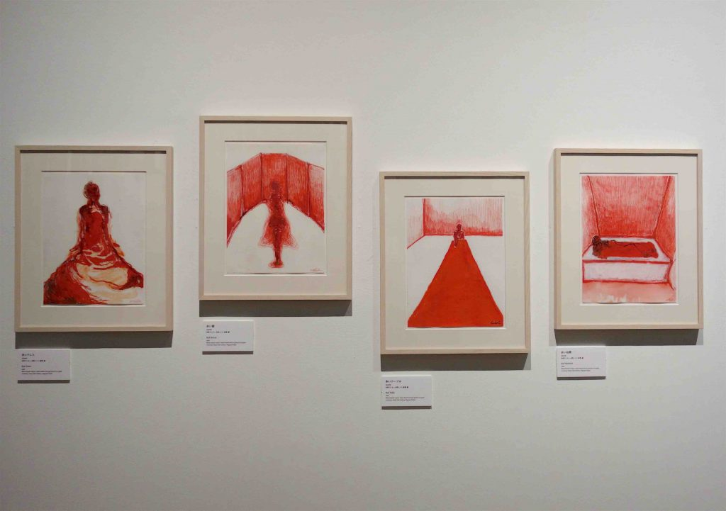 "From left ""Red Dress"", ""Red Mirror"", ""Red Table"", ""Red Bathtub"" 2009. Courtesy by representative gallery in Japan ""Kenji Taki Gallery"" Nagoya-Tokyo"