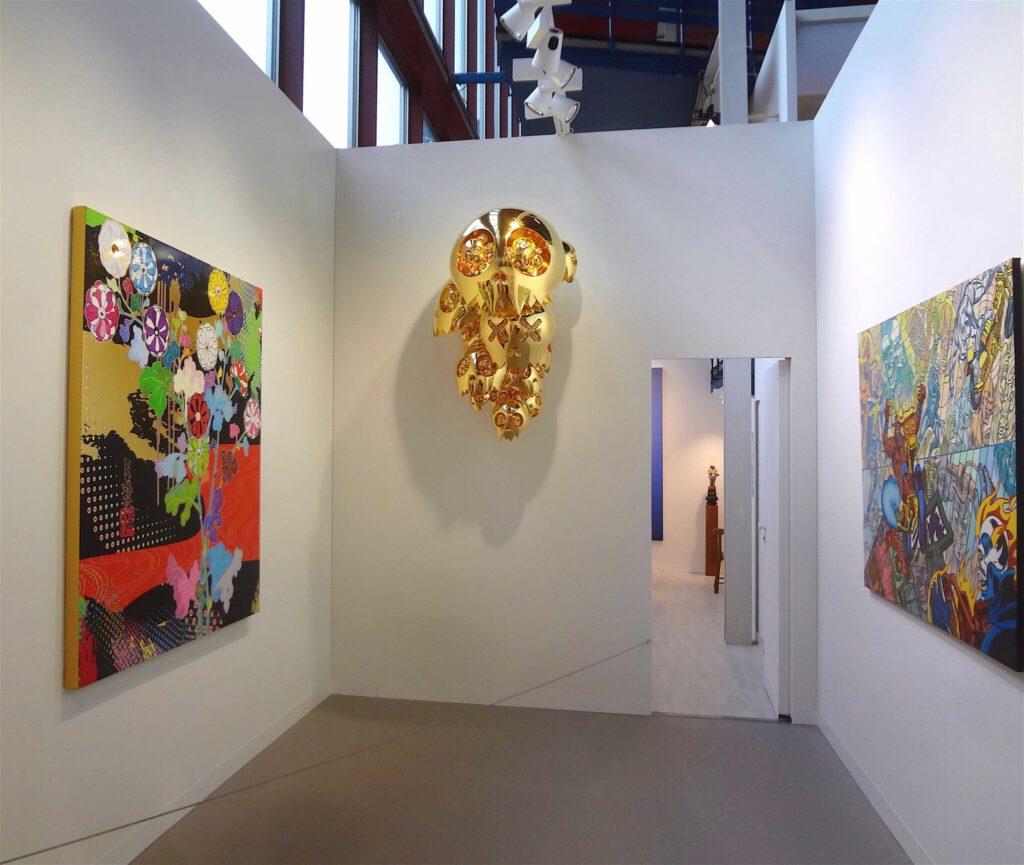 "(Left + center) MURAKAMI Takashi ""Korin square (TBD)"" 2016 + ""Dragon Heads -Gold"" 2015 @ Perrotin booth Art Basel 2016"