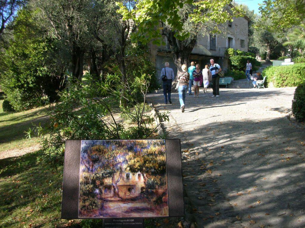 カーニュ=シュル=メール Pierre-Auguste Renoir House-Atelier Garden in Cagnes-sur-Mer with painting explanation board