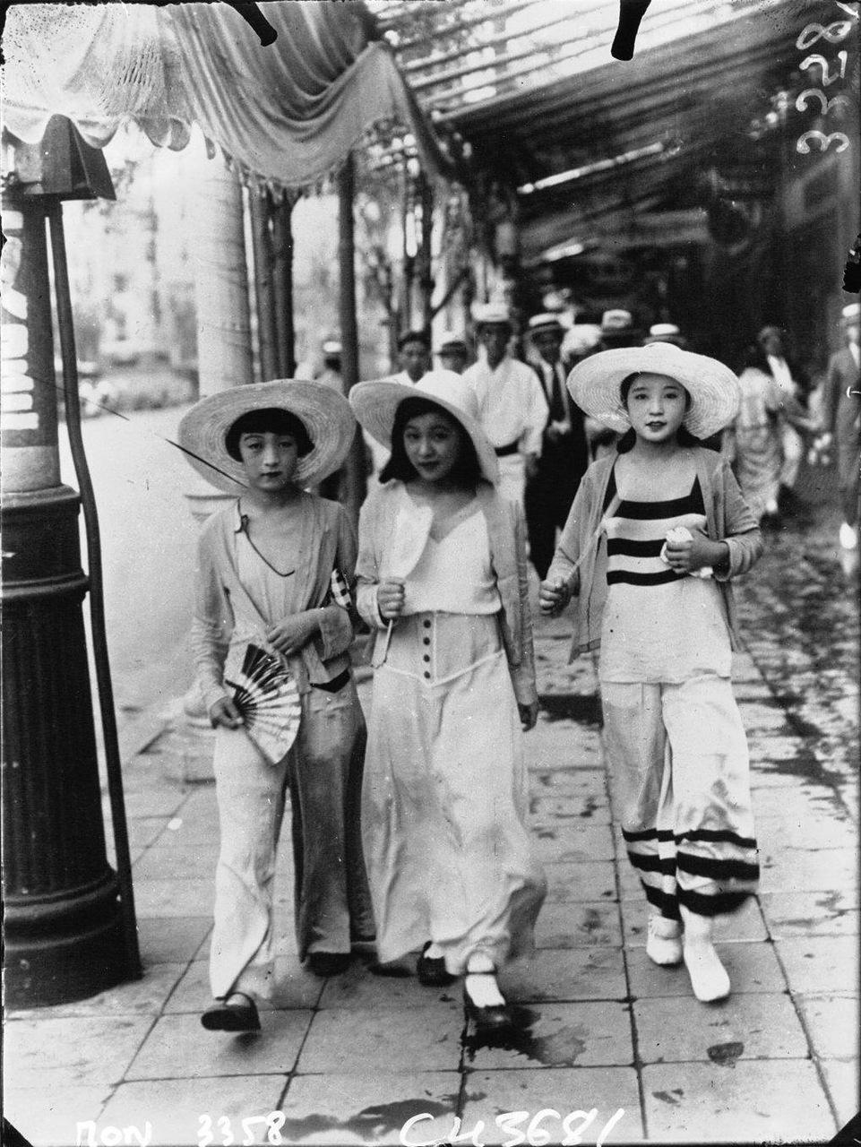 KAGEYAMA Koyo 影山光洋 「モガ」 1928年
