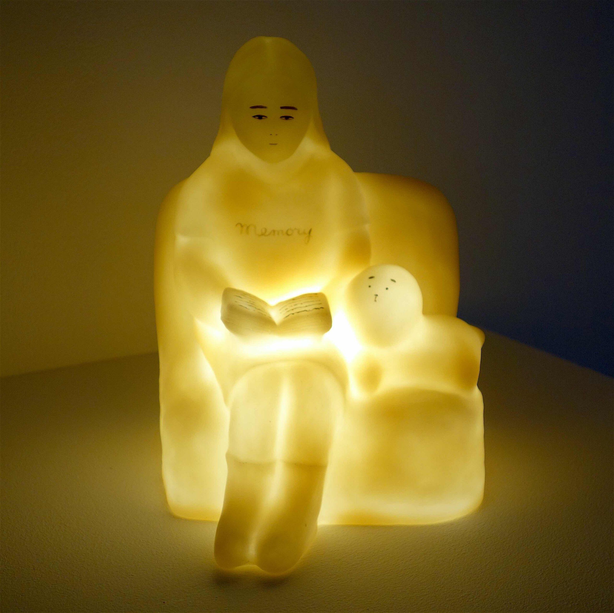 YOKOYAMA Nami 横山奈美 「ラブと私のメモリーズ」2020, resin, oil color, LED