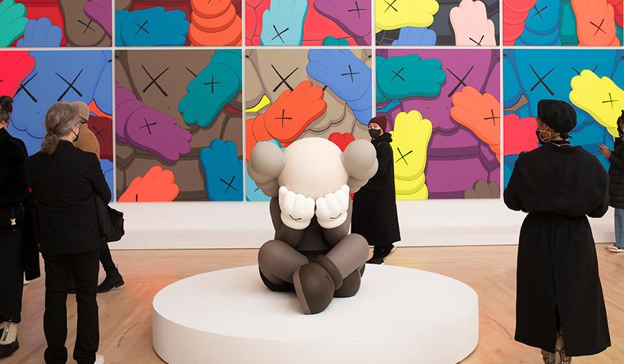 KAWS:ニューヨークのアメリカン美術ウンコを世界へ