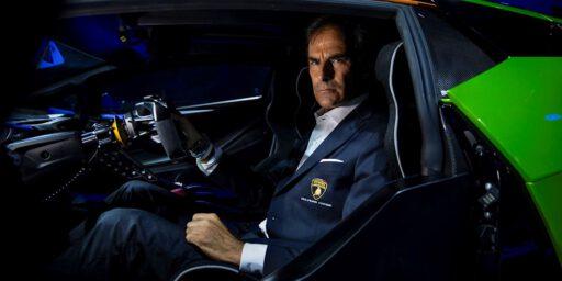 イタリアの高級 ランボルギーニ ESSENZA SCV12 (& 山本耀司)
