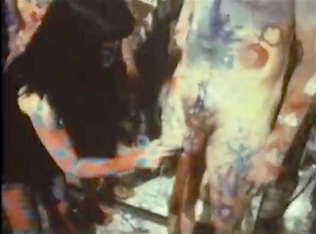 『草間の自己消滅』の草間彌生 KUSAMA Yayoi in Kusama's Self Obliteration 1968