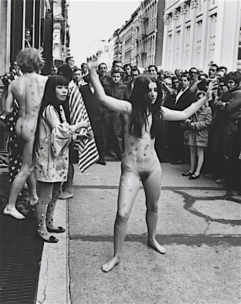 """草間彌生作 Work by KUSAMA Yayoi """"Anatomic Explosion"""" ニューヨーク 1968年"""