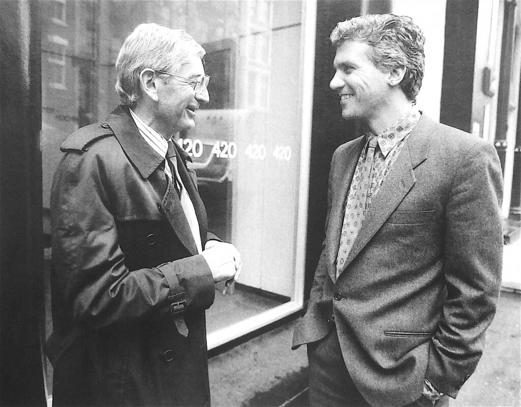 New York 1986 Longtime friends, Eli Broad (BROAD MUSEUM, Los Angeles) and Larry Gagosian in front of 'Leo Castelli Gallery'