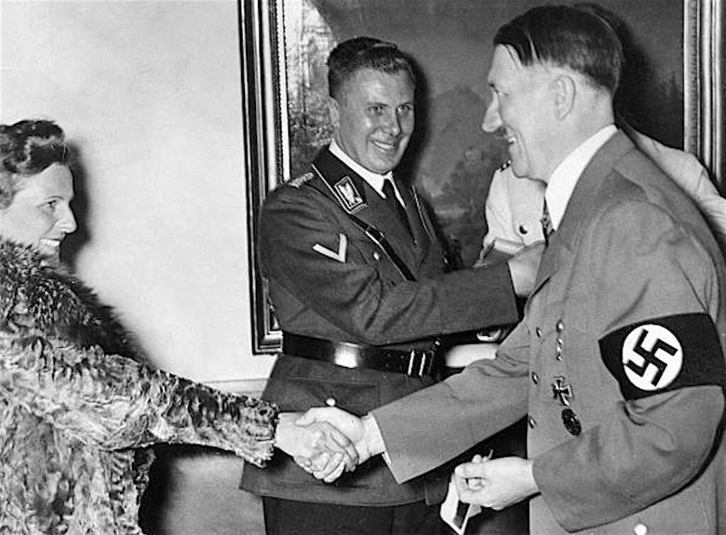 レニ・リーフェンシュタール+アドルフ・ヒトラー