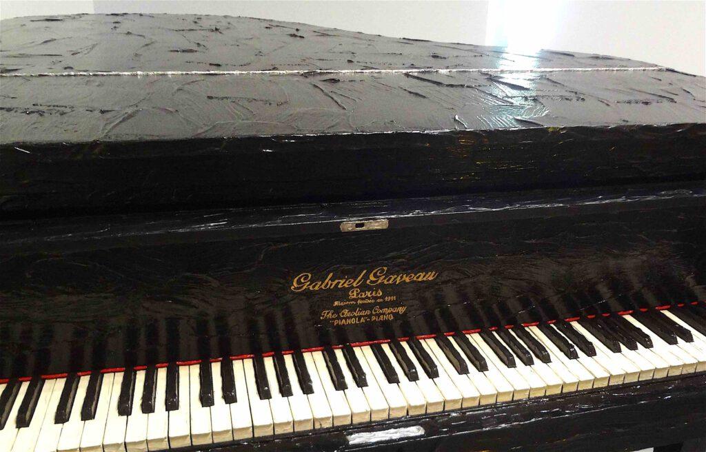 "Bertrand Lavier ""Gabriel Gaveau"" 1981, Grand piano, liquitex acrylic paint (single edition) detail"