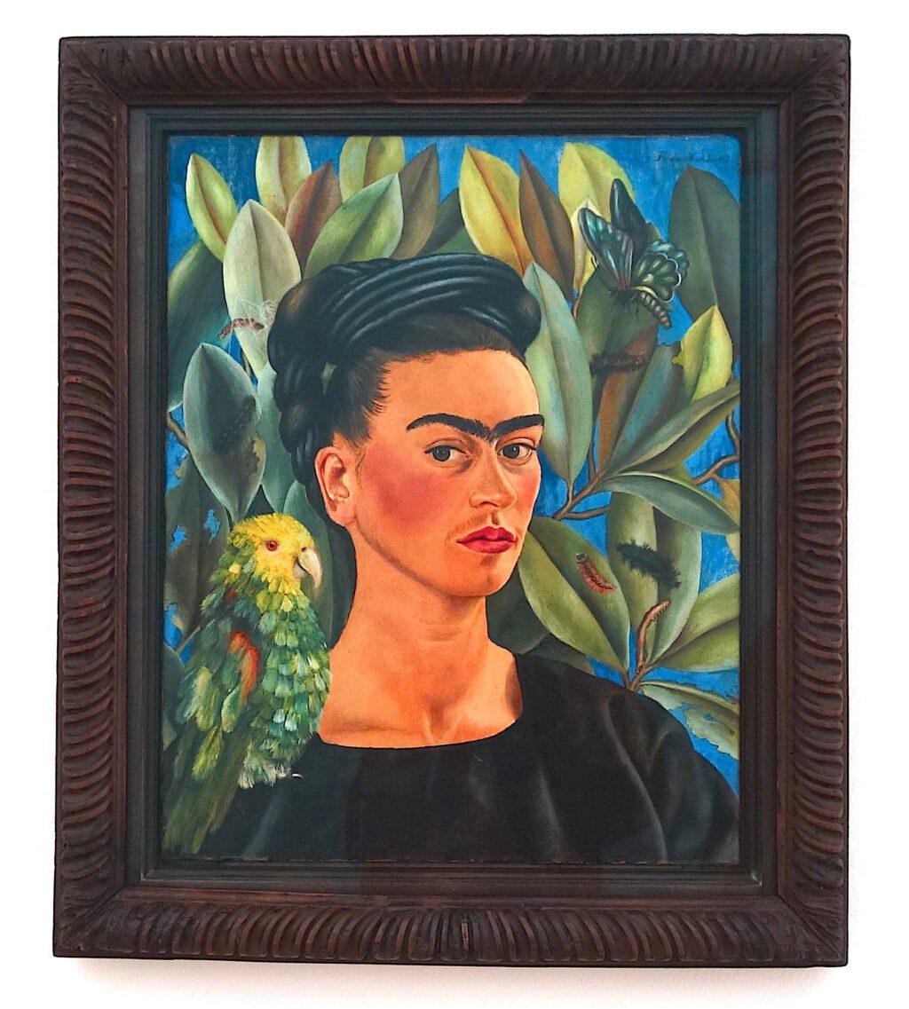 フリーダ・カーロ「ボニートと自画像」 メゾナイトに油彩、54.6 x 43.2 センチ、1951年 (Private Collection, Courtesy Thomas Ammann Fine Art AG, Zürich)