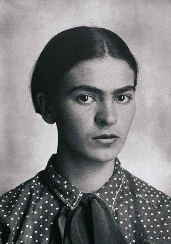 フリーダ・カーロの父親、ギリェルモ・カーロの写真 フリーダ 1926年
