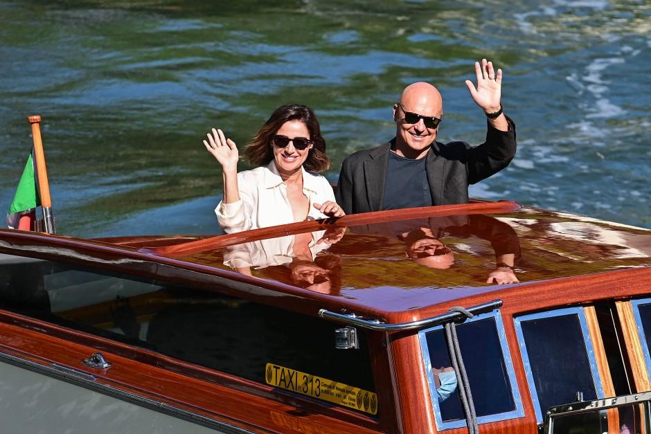 Luisa Ranieri and Luca Zingaretti