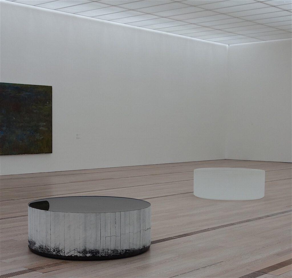 """Roni Horn """"Opposites of White"""" 2006-2007, Massiv gegossenes schwarzes und transparentes Glas, Gusszustand (Oberfläche feuerpoliert)"""